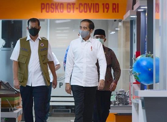 Presiden Jokowi dan Letjen Doni Monardo
