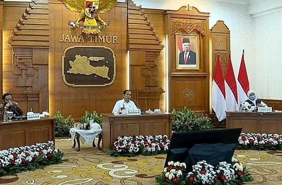 Presiden Jokowi Gubernur Khofifah