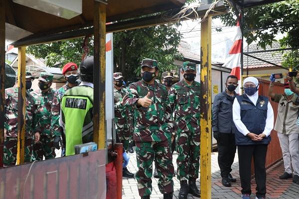 Panglima TNI tinjau Posko PPKM Mikro