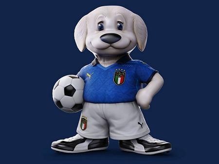 Gli Azzurri mascot Maremmano-Abruzzese